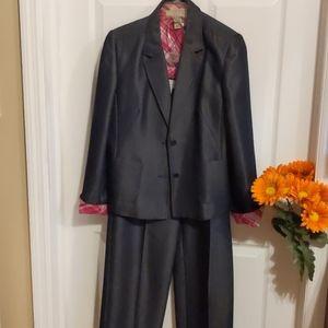 Women's size 8 women's business suit